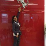 Ferrari: l'uomo resta alla guida dell'auto che trasferisce emozioni