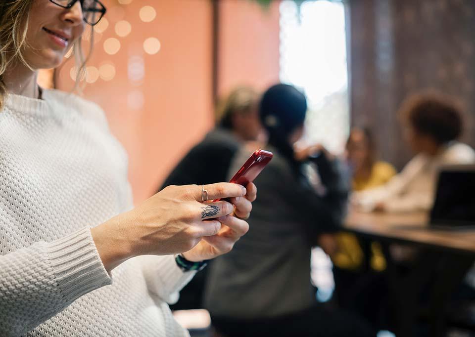 Audiweb total digital audience nel giorno medio: 37,3 milioni di utenti unici per 2 ore e 25 minuti ciascuno